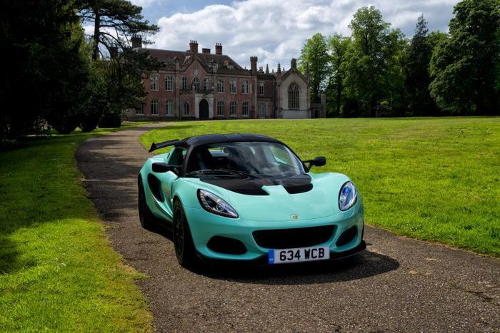The New Lotus Elise Cup 250 Has 279bhp Per Tonne