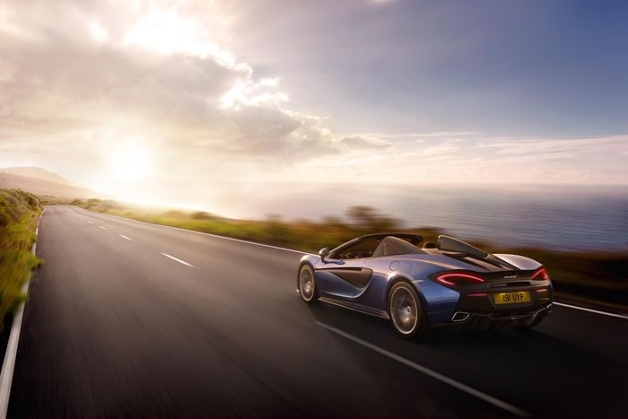 McLaren Debuts New 570S Spider, Costs £20,000 More Than The Coupe