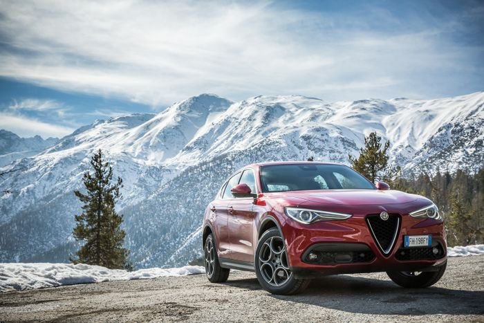 Alfa Romeo Stelvio SUV Costs £33990 In The UK