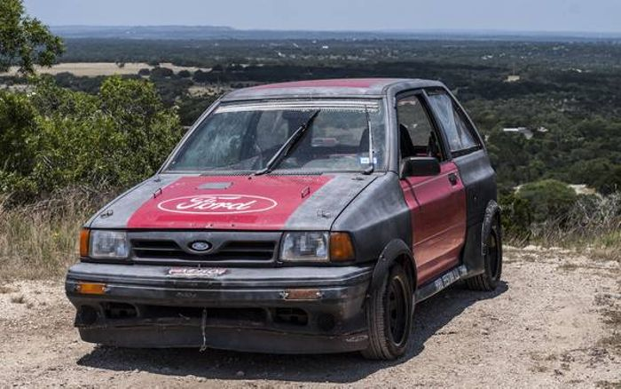 This Festiva However Is No Ordinary One Has Been Modified Heavily To Be A Track Ready Race Car It Features Partial Rollcage