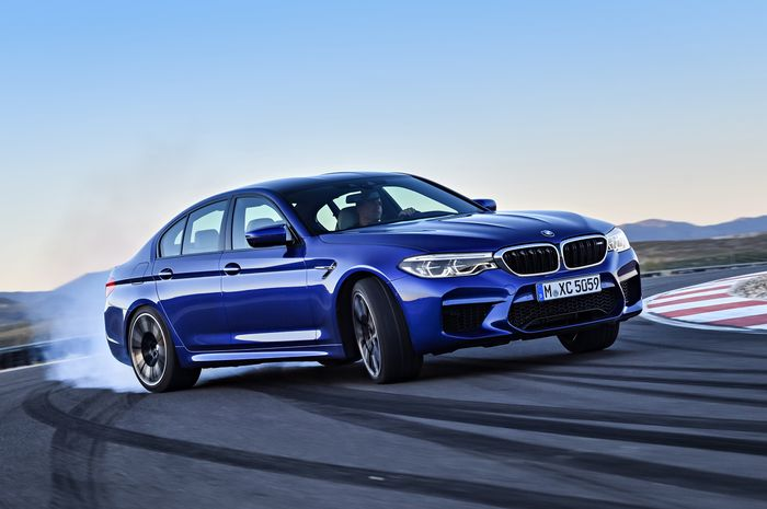 BMW M5 offers 600 horsepower of drift-mode fun