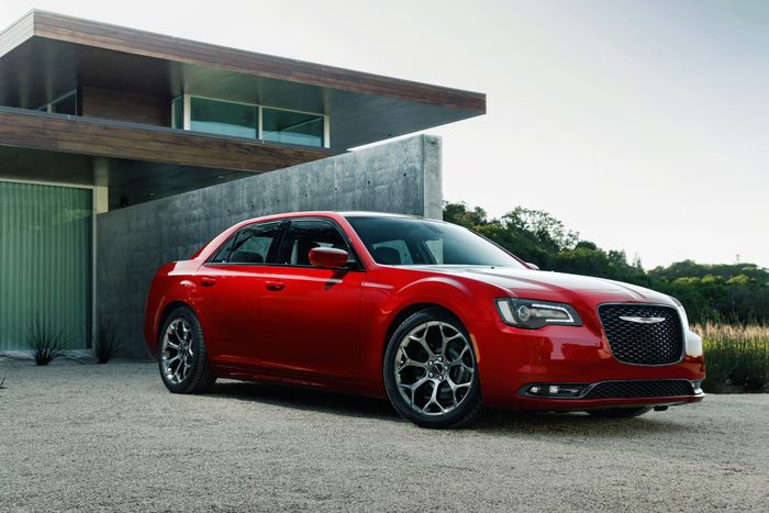 Prepare For Shredded Tyres: A Chrysler 300 'Hellcat' Is Happening