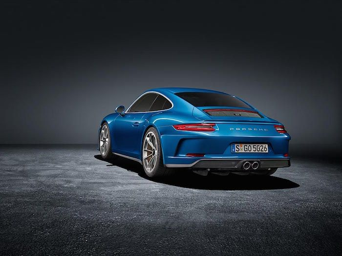 Porsche 911 GT3 Touring Package tames the wild wing