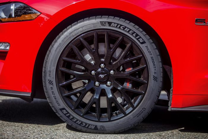 Ford Mustang GT Gets Michelin Pilot Sport 4S Rubber