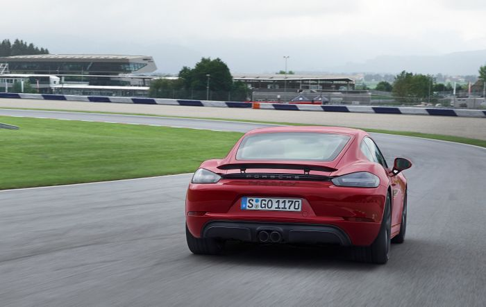 Porsche Adds Punch to New 718 Boxster, Cayman GTS