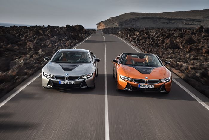 BMW i8 Coupe Gets a Roadster Brother and More Electric Range