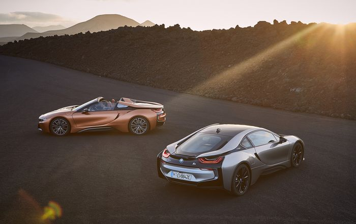 BMW i8 Roadster, Updated i8 Coupe Debut in LA