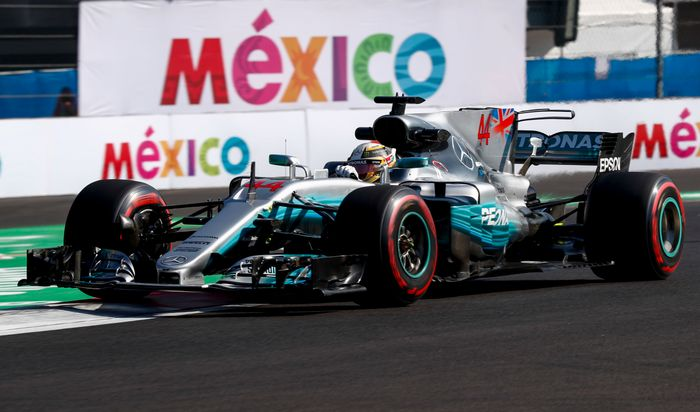 Bottas clinches pole after Hamilton crash