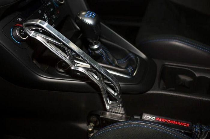 hydraulic handbrake option   ford focus rs