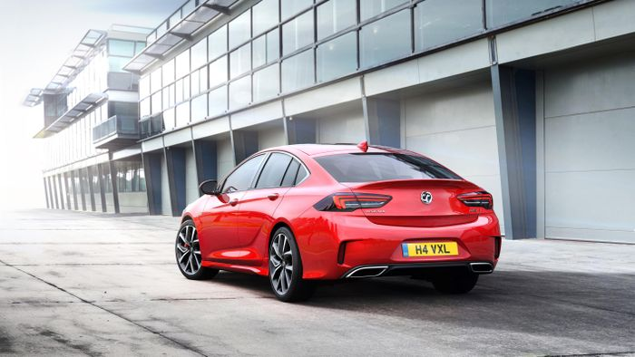 Vauxhall launches flagship Insignia GSi model