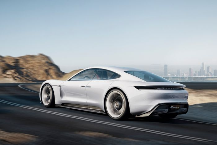 Porsche Mission E to get between 402 hp and 670 hp