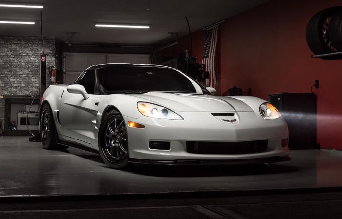 With A 638HP Supercharged LS9, Magnetic Dampers, And Carbon Ceramic Brakes,  The C6 Chevrolet Corvette ZR1 Is Still A World Class Supercar.