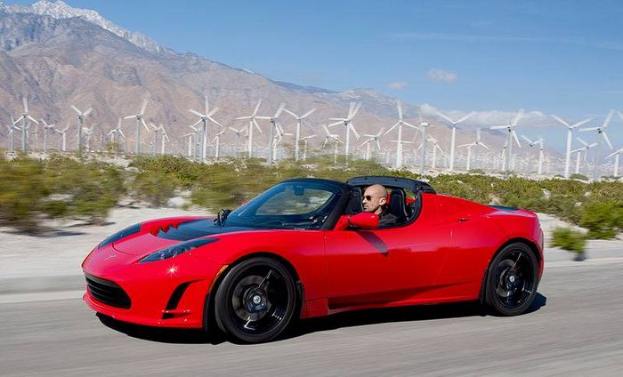 The Tesla Roadster Proving Since 2008 That Electric Cars Don T Have To Be Boring Built In America On Chis Of A Lotus Elise Is