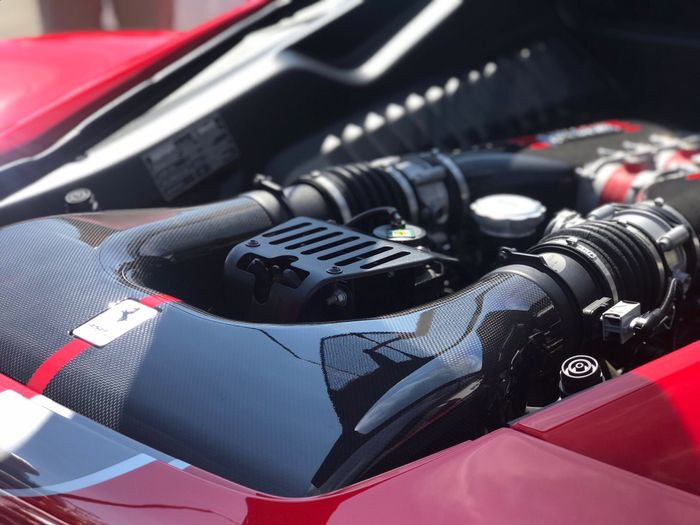 Ferrari 458 engine bay Wallpaper