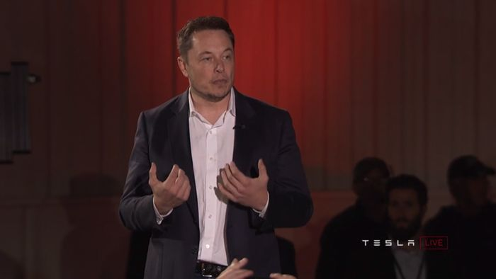 Musk Disputes Tweet That He Doesn't Want to Be Tesla Chair Again