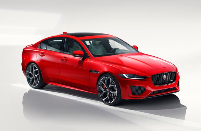 Facelifted Jaguar XE revealed with fancy new interior…