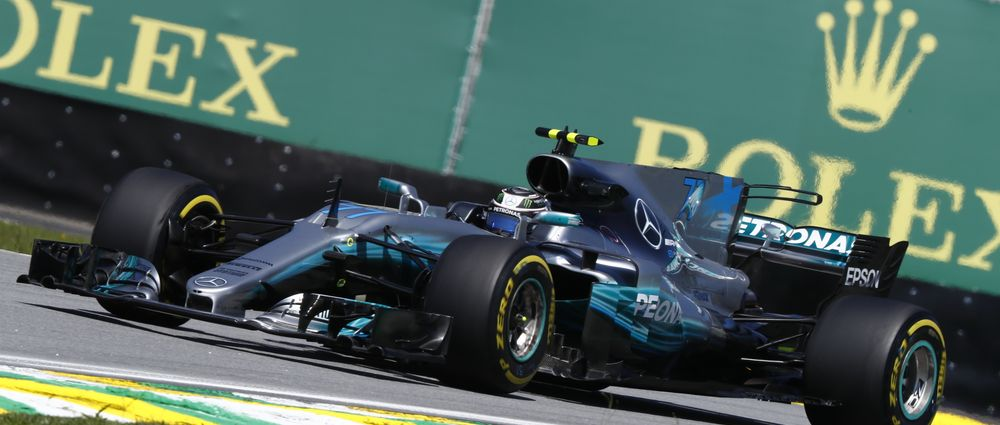 Bottas Beats Vettel To Pole In Brazil With A Record-Breaking Lap