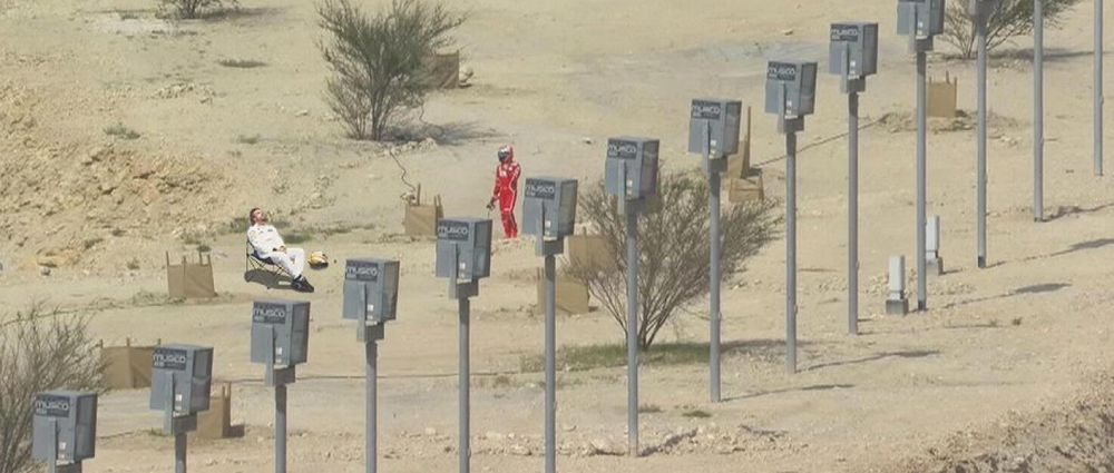 The Internet's Best Reactions To Kimi's Walk Through The Bahrain Desert