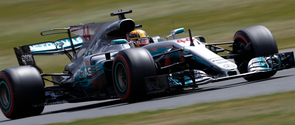 Hamilton Smashed The Silverstone Lap Record In 2017 British GP Qualifying