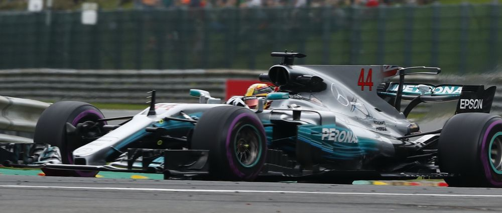 Hamilton Holds Off Vettel To Win His 200th F1 Race