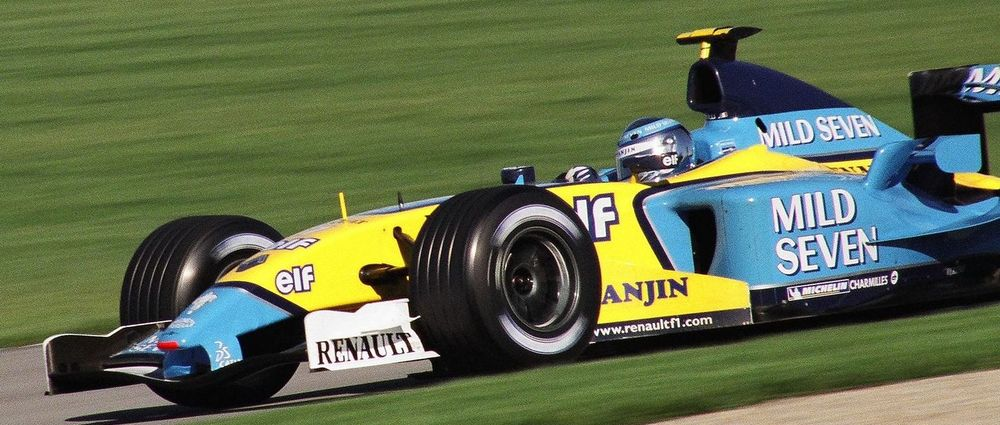 On This Day In F1 - Renault Decided Not To Change Its Driver Line-Up