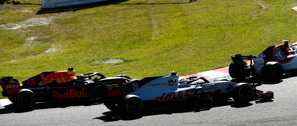 Sauber Boss Vasseur Has Called Magnussen's Driving In Suzuka 'F***ing Dangerous'