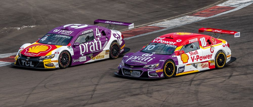 Two Stock Car Brasil Teams Swapped Body Panels To Promote Organ Donation