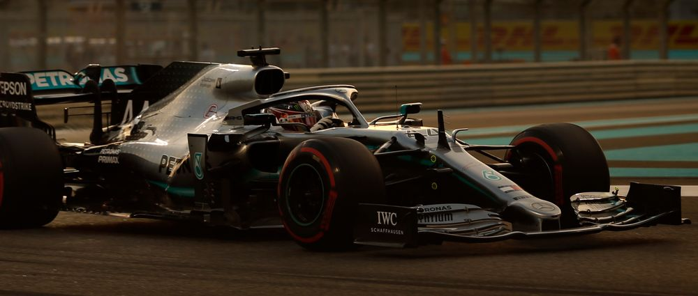Unstoppable Hamilton Dominates The Final Race Of The Season With His Sixth Grand Chelem