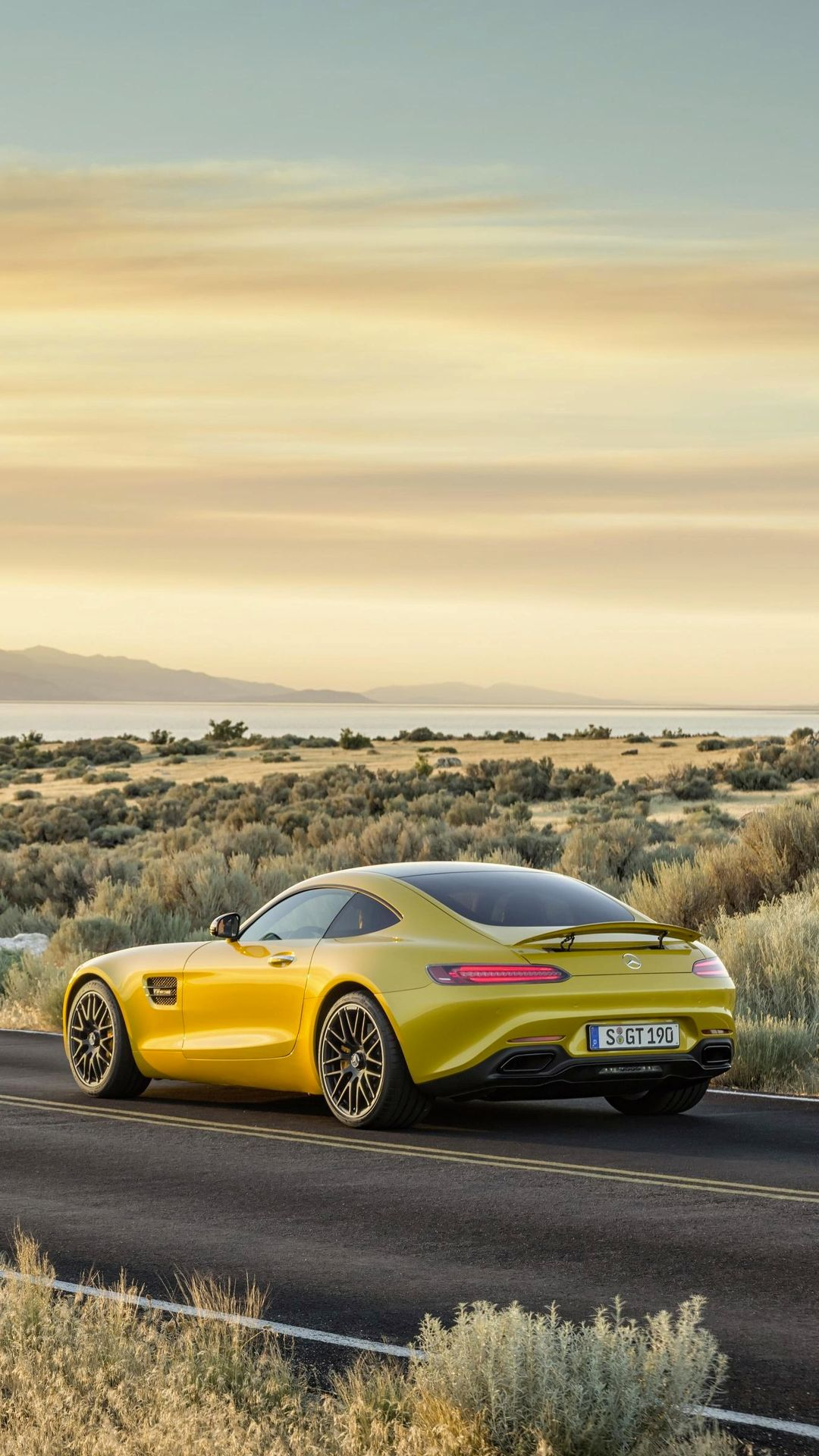 Give Your Desktop And Mobile A Mercedes Makeover With These Gorgeous Amg Gt Wallpapers