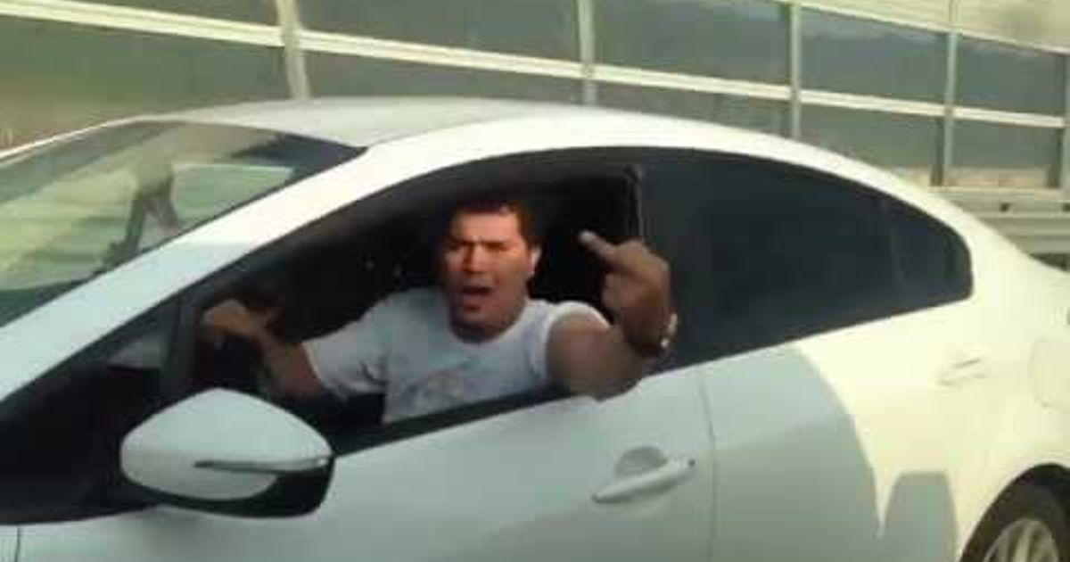 Road rage driver gets a swift dose of karma! (Via Reddit Cars)