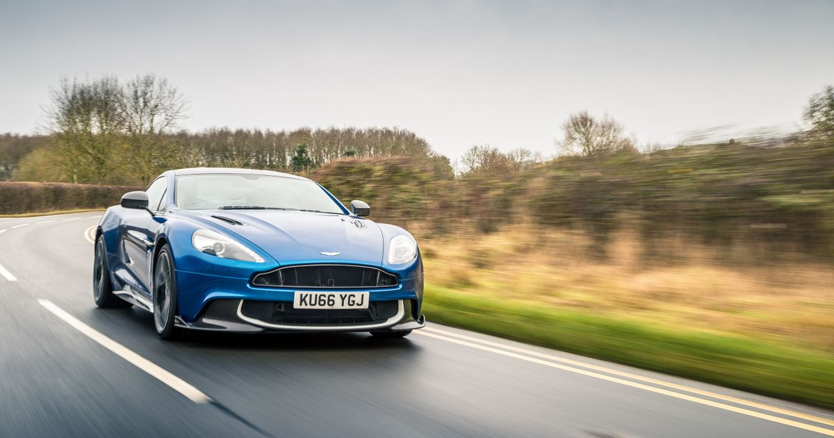 Aston Martin Vanquish S Review The OldSchool V Hero Thats - Old aston martin vanquish