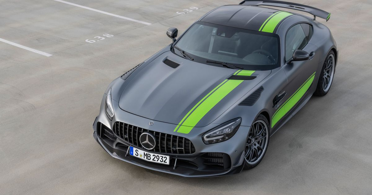 the new mercedes amg gt r pro is an angry v8 aero fest. Black Bedroom Furniture Sets. Home Design Ideas