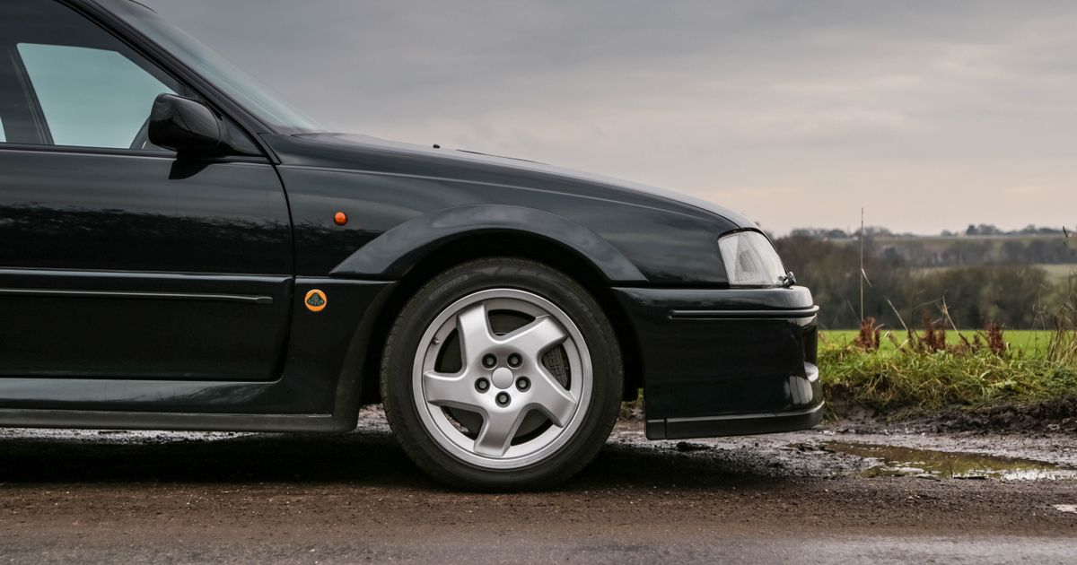 Lotus Carlton: Meeting The Car That Made The Government Angry