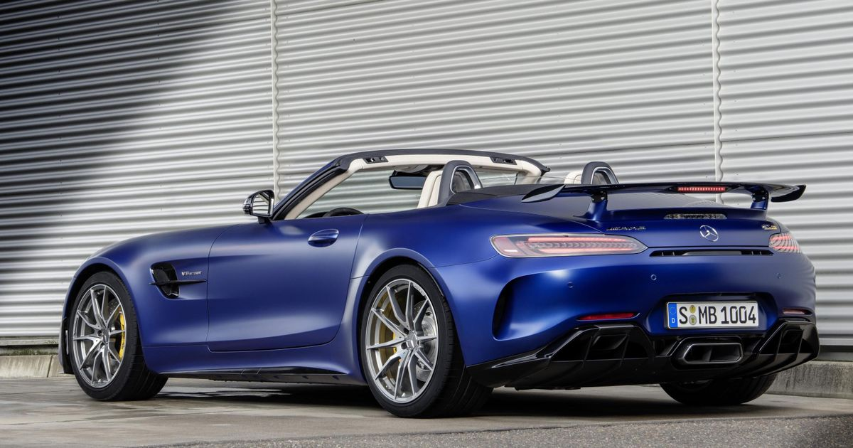 The Mercedes-AMG GT R Roadster Is A Nonsensical Track Monster We Want Badly