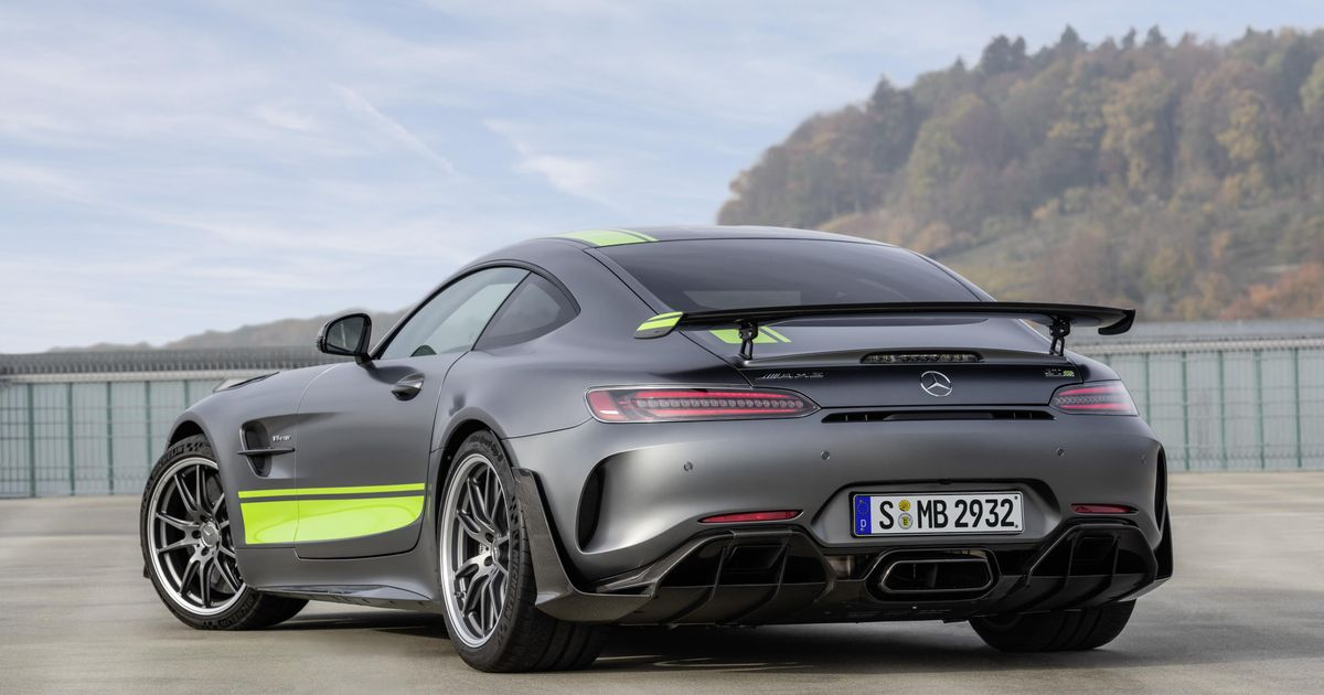 The Mercedes-AMG GT R Pro Is £40k More Than The  Regular  Version