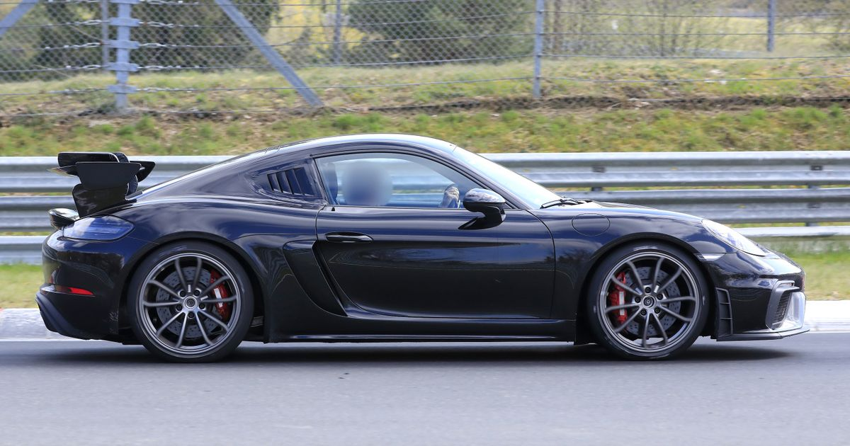 Take A Closer Look At The Porsche Cayman GT4 RS And Its Angry New Stuff