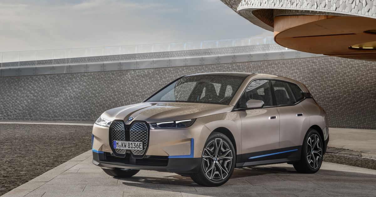Plug-In BMW iX Arrives With 500bhp And A 372-Mile Range