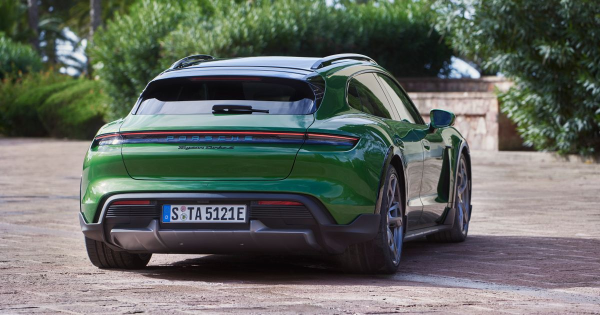 The 751bhp Porsche Taycan Cross Turismo Is The Ultimate EV All-Rounder