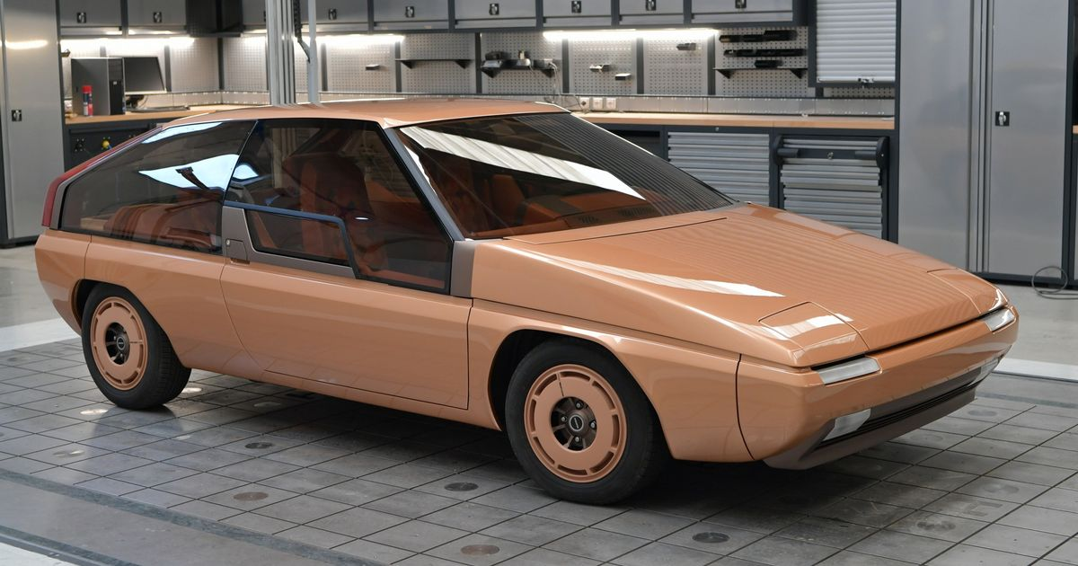 Mazda s First-Ever MX Has Been Lovingly Restored
