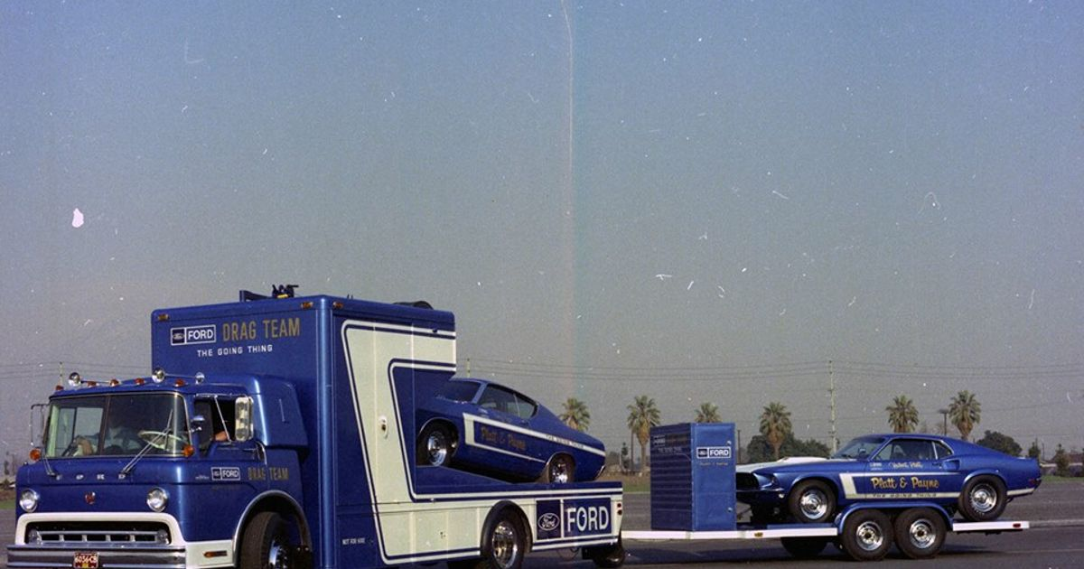 Ford Drag Team Trailer