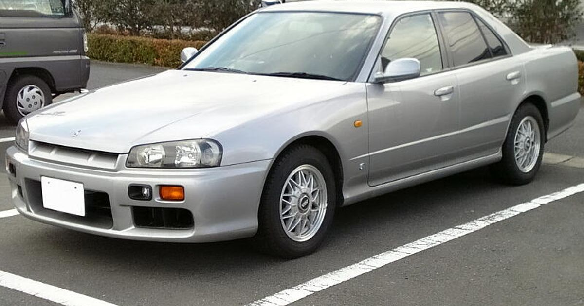 believe it or not  this is a r34 skyline  not a gt