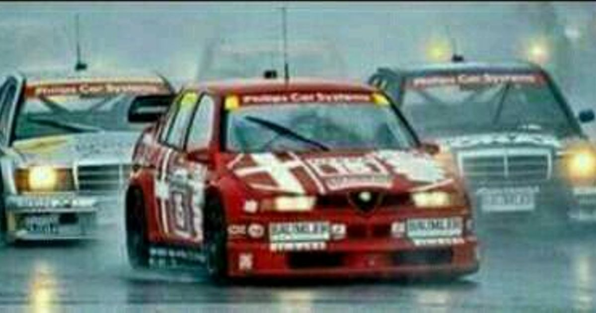 Dtm alfa romeo vs mercedes benz for Alfa romeo vs mercedes benz