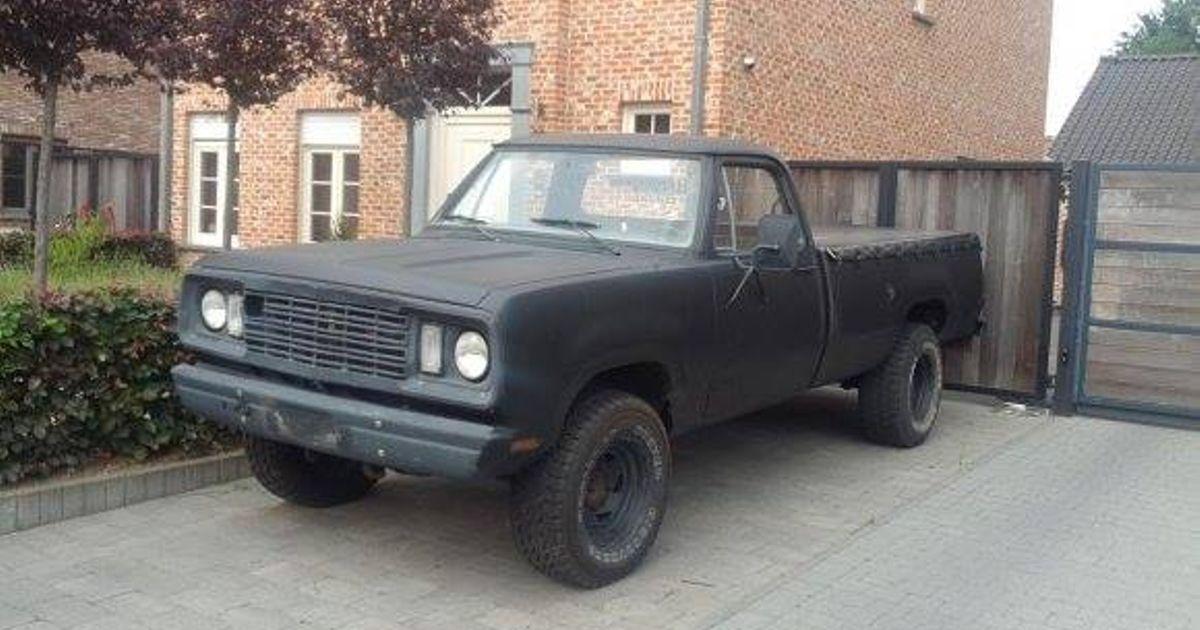 1977 Dodge W200 (m880 ex army)