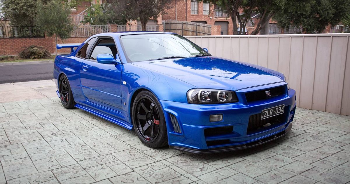 nissan skyline r34 gt r with a automatic transmisson. Black Bedroom Furniture Sets. Home Design Ideas