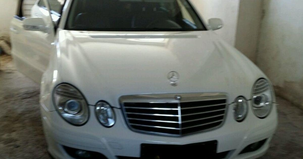 While washing it||Mercedes Benz E220 diesel 190 hp 2200 cc
