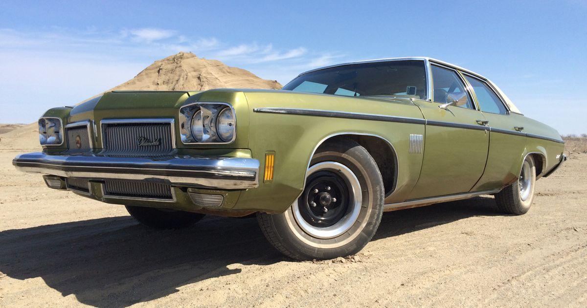 Résultats de recherche d'images pour «1973 oldsmobile delta 88 royale sedan»