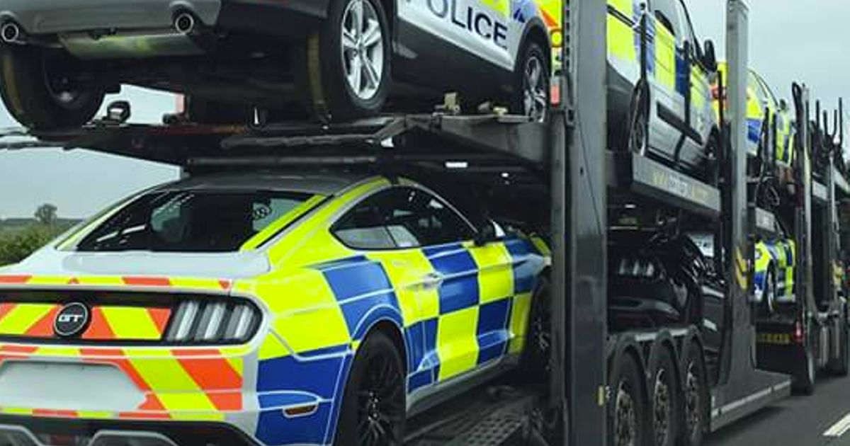 News & UK Cops Are Actually Trialling A V8 Ford Mustang markmcfarlin.com