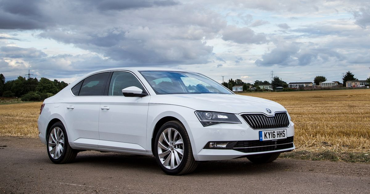 skoda superb 280 review the baffling but brilliant 276bhp sleeper. Black Bedroom Furniture Sets. Home Design Ideas