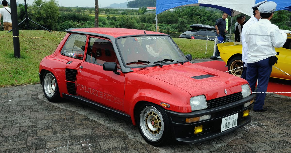 the heroes of racing no 7 the renault 5 turbo if hell wanted a hot hatch this would. Black Bedroom Furniture Sets. Home Design Ideas