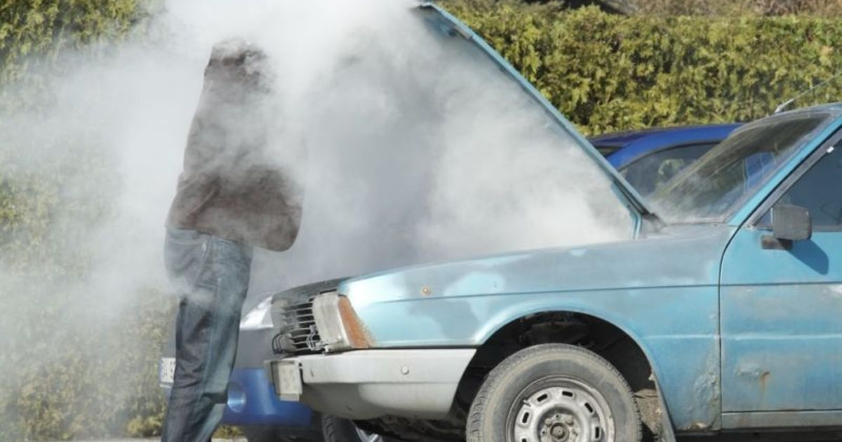 What To Do When Car Overheats >> Common Causes Of Engine Overheating And How To Fix Them